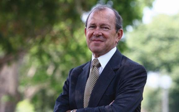 Imagen destacada de Homenaje al doctor Salomón Lerner Febres en la 38° Feria del Libro Ricardo Palma